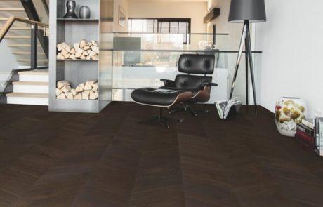 מה תעדיפו לסלון שלכם? פרקט עץ או למינציה
