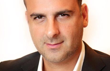 """עינב כהן: """"תעזבו כבר את ביבי ובואו ללמוד שוק ההון"""""""