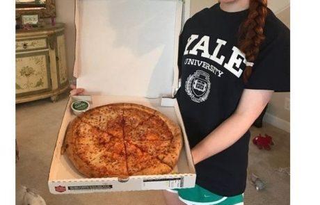 צעירה התקבלה לאוניברסיטת ייל בעזרת עבודה בנושא הזמנת פיצה