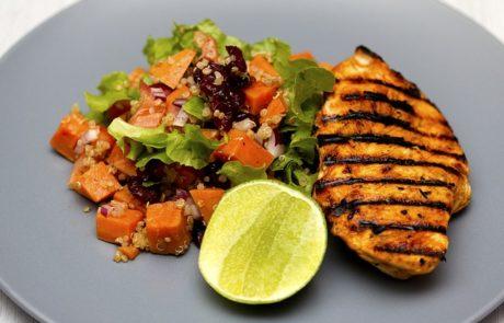 לא אוכלים בריא? תתחילו לאכול עוף
